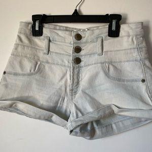 High-waited shorts